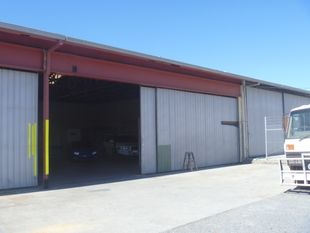 Open Plan Warehouse with Exclusive Yard Area - Burleigh Heads
