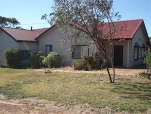Massive, Spacious Family Home  - Katanning