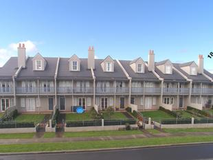 Parnell Style Living In Botany - Botany Downs