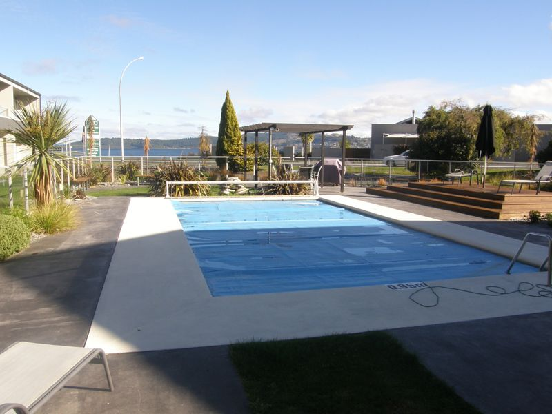 6 300 lake terrace taupo taupo district residential for 300 lake terrace
