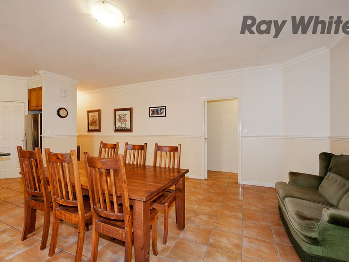 8  Aviemore Way, Point Cook, VIC