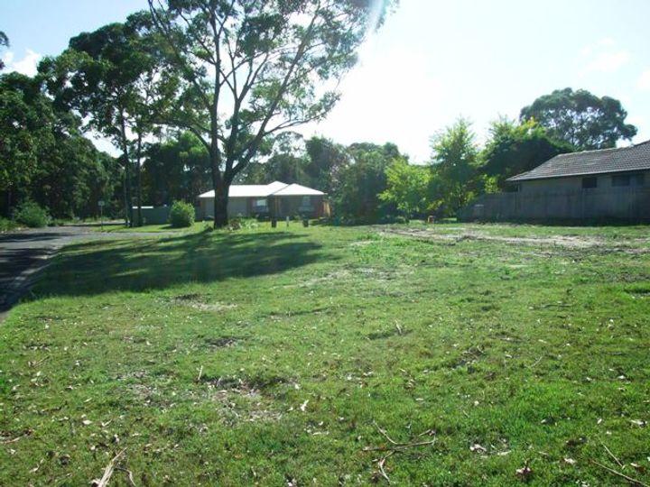 6 Boeing Avenue, Lake Conjola, NSW