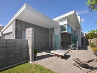 BUILDER'S OWN 2 YEAR OLD HOME - Mt Maunganui
