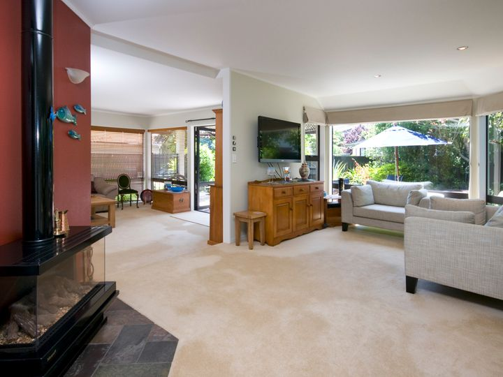 2/52 Hattaway Avenue, Bucklands Beach, Manukau City