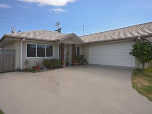 UNDER $300,000 IN THE MOUNT - SOLID CONSTRUCTION - Mt Maunganui