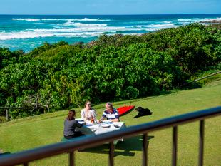 ENJOY ABSOLUTE BEACHFRONT... WHILE MAKING MONEY! 5 TITLES! - Hastings Point