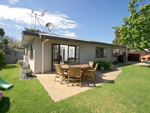 IMPRESSIVE PRIVATE YARD - Mount Maunganui
