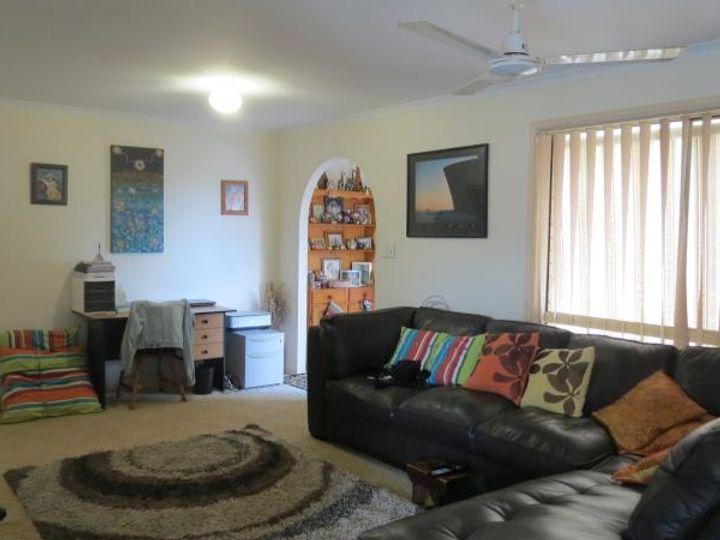10 Madeleine Street, Torquay, QLD