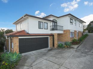 Fabulous Modern Large Family Home! - Mount Roskill