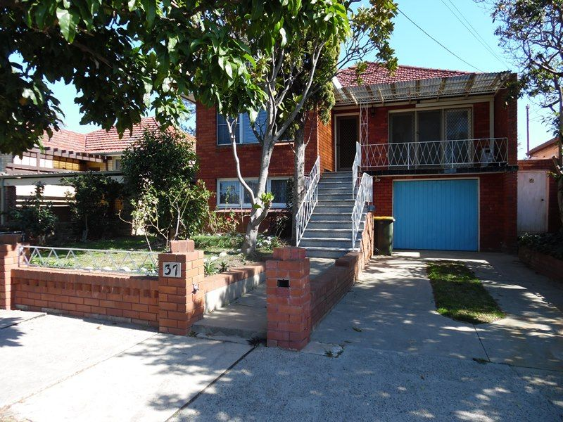 House leased liverpool nsw 37 charles street for Kitchens liverpool nsw