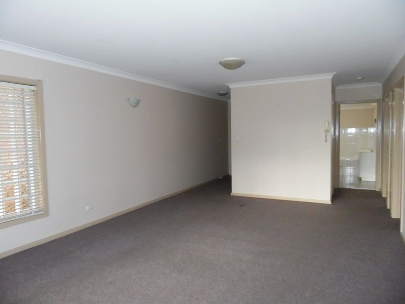 3 35 campbell street liverpool nsw rental house for rent for Kitchens liverpool nsw