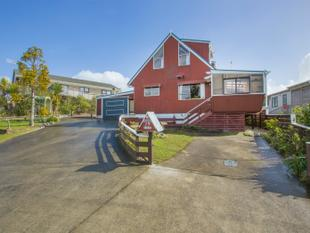 LOCATION, POTENTIAL, LOCATION, FURTHER REDUCED. - Snells Beach