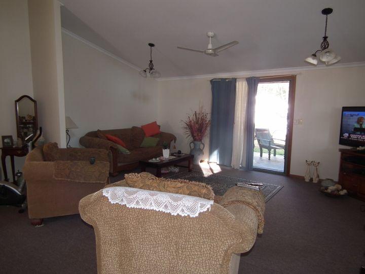 9 Leah Drive, Oakhurst, QLD
