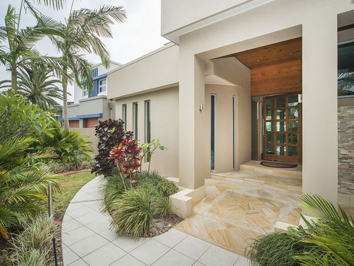 3 Regents Court, Sovereign Islands, QLD