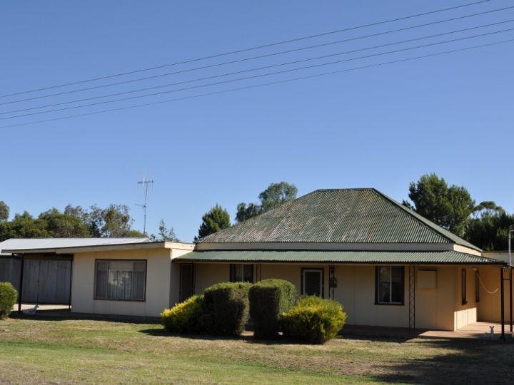 6 Oberon Street, Eugowra, NSW