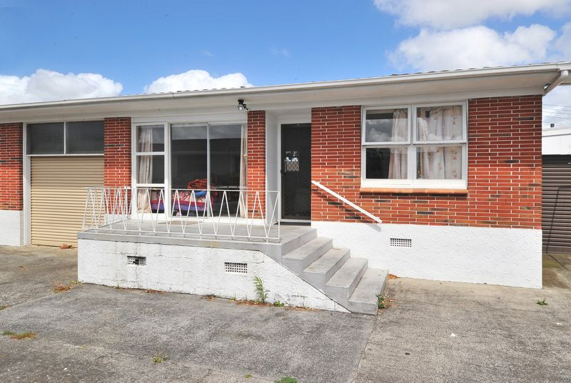 papatoetoe singles Be quick to move into this cosy 2 bedroom in papatoetoe there is one double bedroom and a single bedroom bathroom and separate toilet.