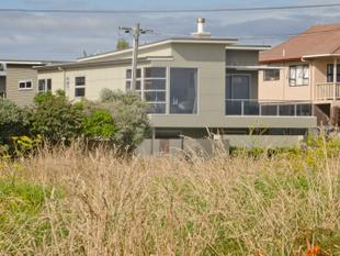 Dual living, view to Motiti, beach across the road - Papamoa