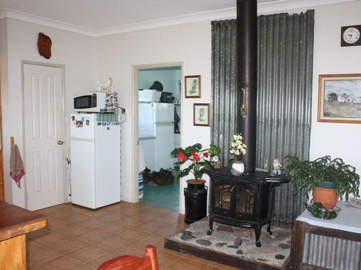 1128 WATERHOLE GULLY Road, Crows Nest, QLD