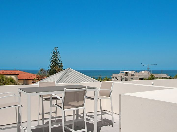 Unit 2 Elouera, 44 Elanda Street, Sunshine Beach, QLD