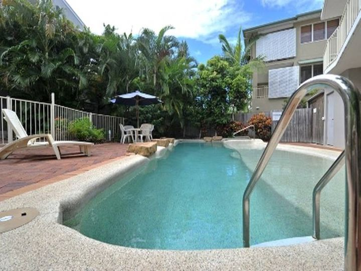 Unit 4 Riverside, 235 Gympie Terrace, Noosaville, QLD
