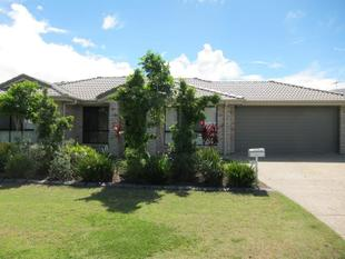 EXECUTIVE LIVING IN THE HEART OF REDLAND BAY!! - Redland Bay