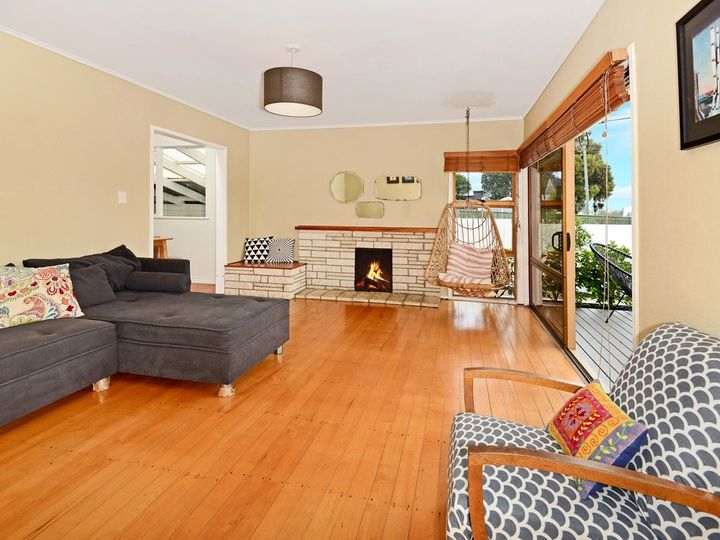 177 Beach Haven Road, Beach Haven, North Shore City