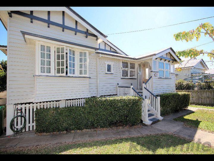 9 Wilson Street, Newtown, QLD