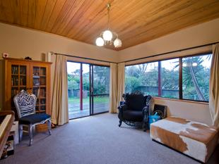 FULL SITE, SIZEABLE HOUSE, IN MOUNT MAUNGANUI - Mount Maunganui