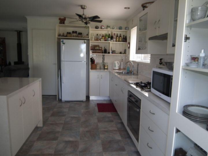 1 Smith Avenue, Tiaro, QLD