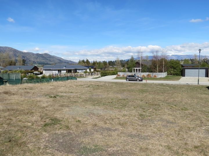 18 Charles Court, Lake Hawea, Queenstown Lakes District