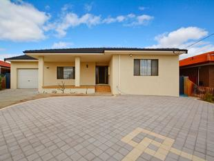 ***GREAT FAMILY HOME  on BIG 693sqm  BLOCk *** - Marangaroo