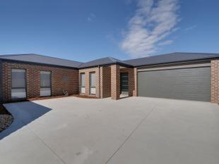 State of the Art Townhouse - Traralgon