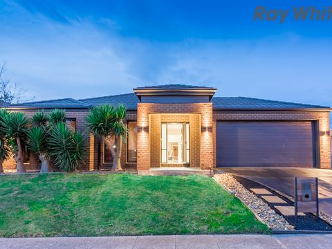 Caroline Springs, 52 Barringo Way