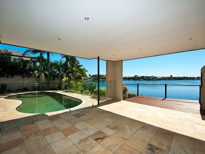 7 Clipper Boulevard, Clear Island Waters, QLD