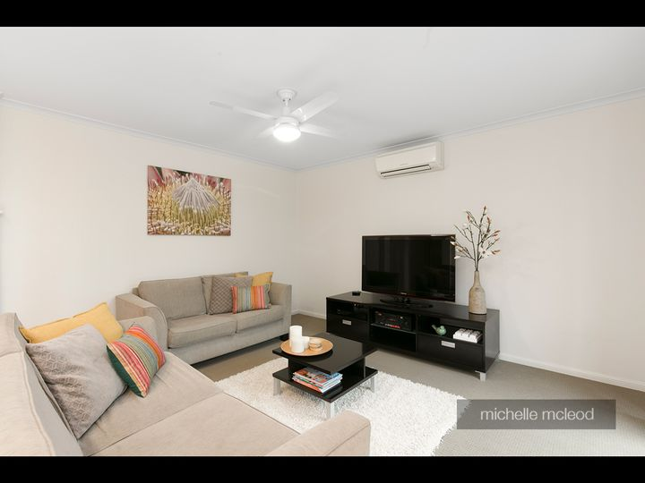 34 Parkway Place, Kenmore, QLD