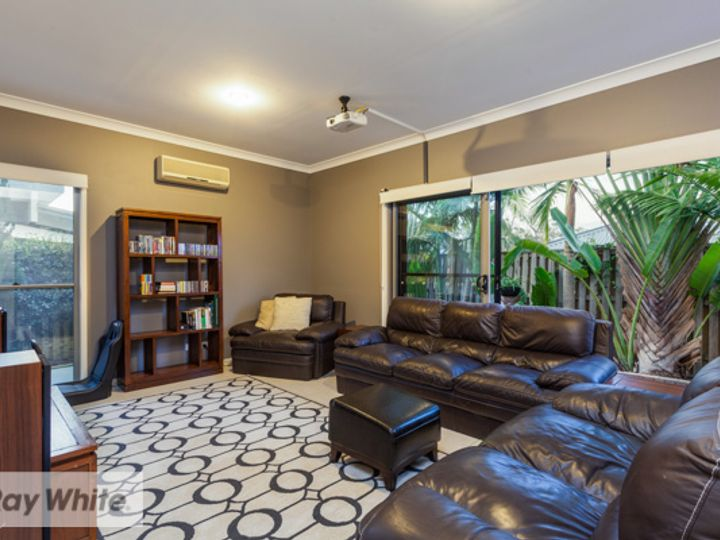 8 Bottletree Court, Coomera, QLD