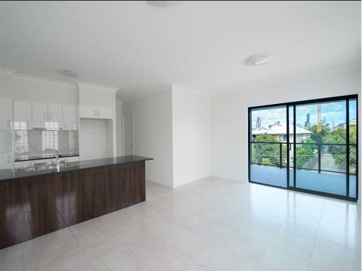 1-4/42 Legeyt Street, Windsor, QLD