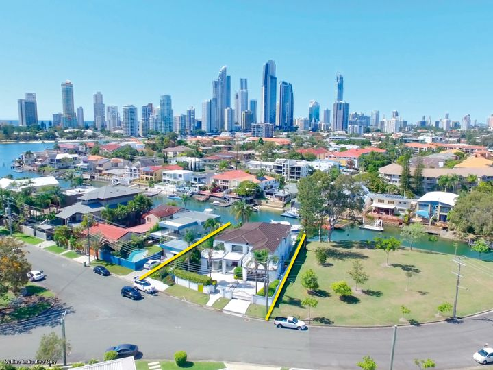 39 Southern Cross Drive, Surfers Paradise, QLD