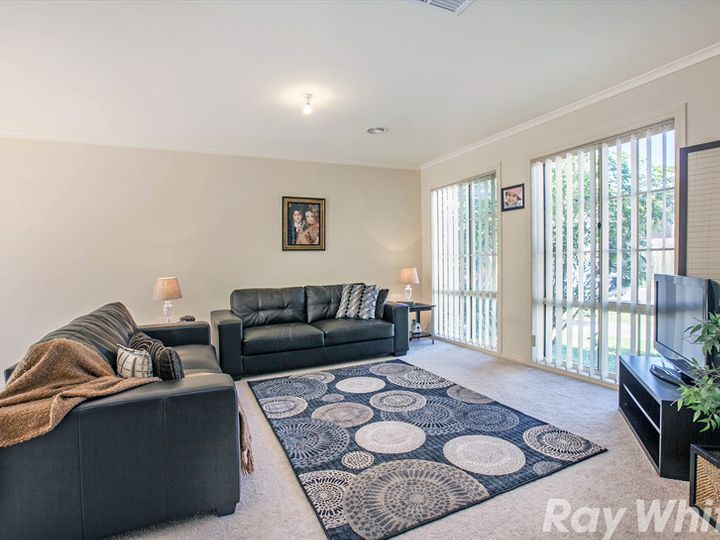 1 / 4 Capri Close, South Morang, VIC