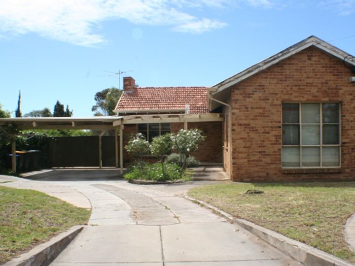 208 Trimmer Parade, Seaton, SA