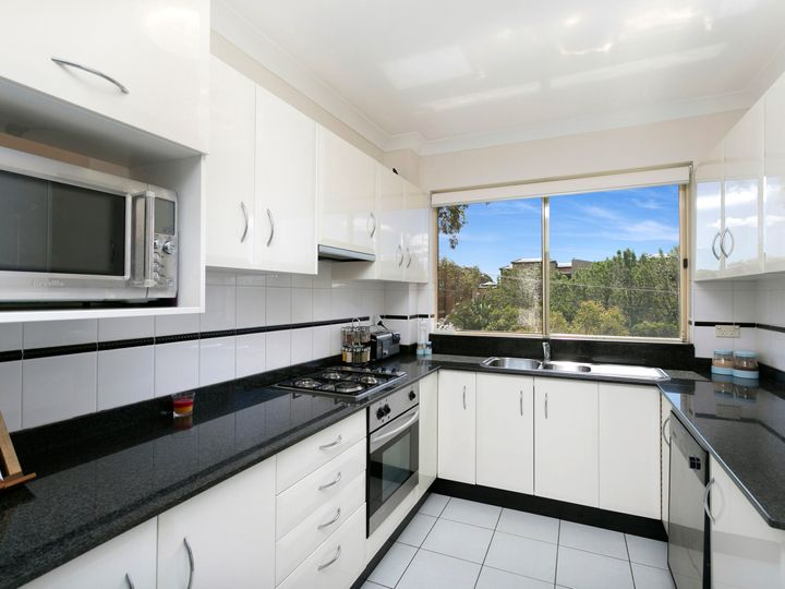 4/6-12 Mansfield Avenue, Caringbah, NSW