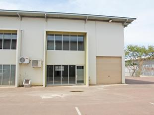Warehouse With Mezzanine Office - Winnellie