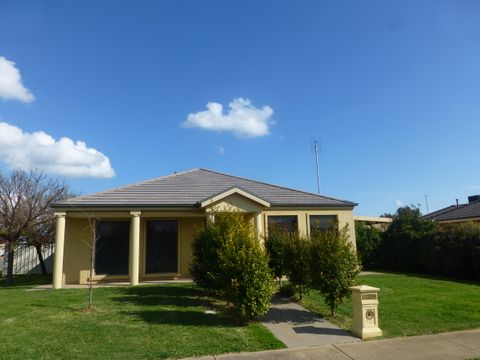 Moama, 1 Aberdeen Way
