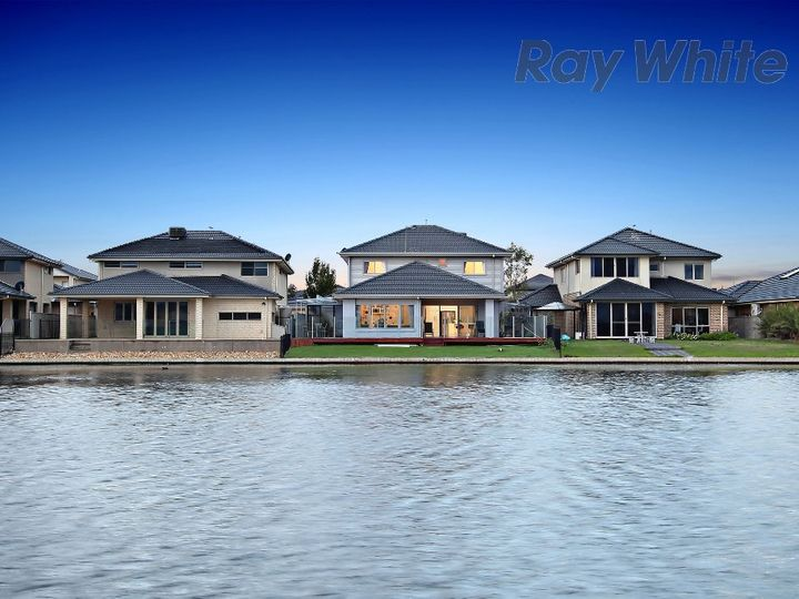 64 Sanctuary Lakes East Boulevard, Sanctuary Lakes, VIC