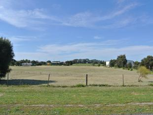 Prime Rural Lot between Town Centre & Golf Course - Kingston Se