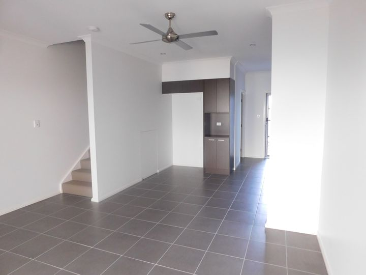 10/37 Azure Way, Hope Island, QLD