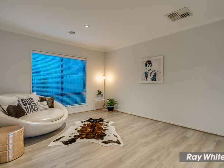 2 Prudence Parade, Point Cook, VIC