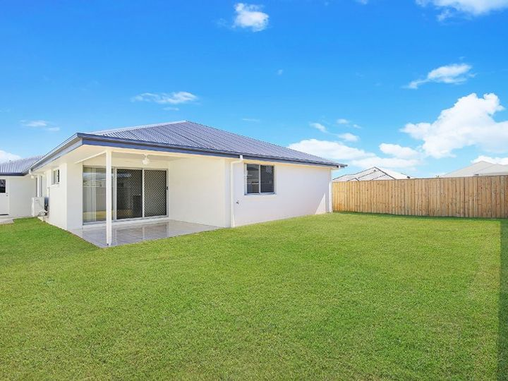 38 MacIntyre Crescent, Pelican Waters, QLD