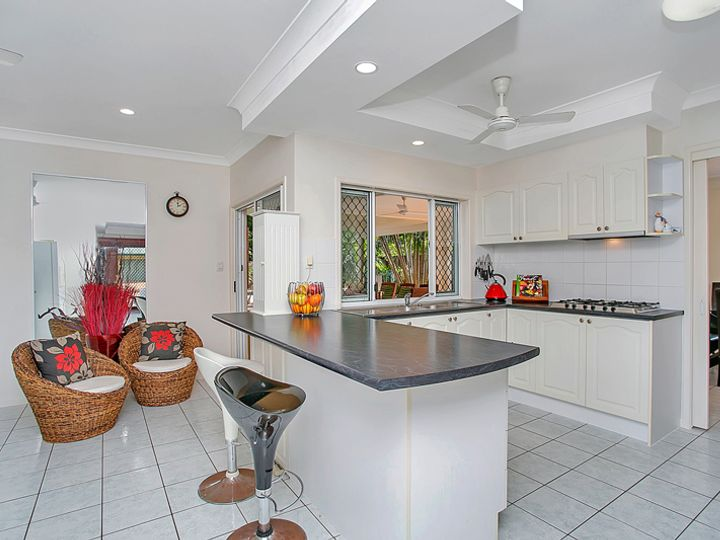 27 Bramble Street, Clifton Beach, QLD