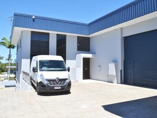 Office With Warehouse Storage And Residential Unit With Onsite Security In Place - Slacks Creek
